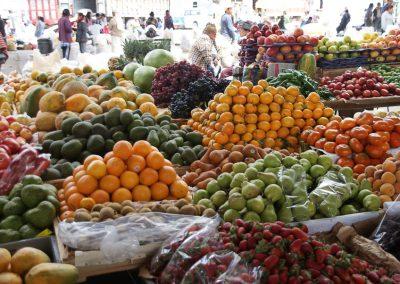 Les marchés regorgent de fruits en tout genre