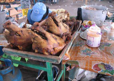 Têtes de porcs grillées