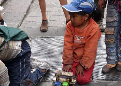 Les petits cireurs de chaussures de Quito