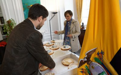 Le gâteau Isabel Godin a été présenté à l'ambassade d'Equateur